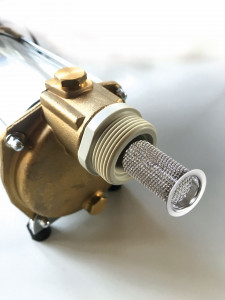 Schmutzfangsieb der selbstansaugenden Regenwasserpumpe WISY AspriPlus